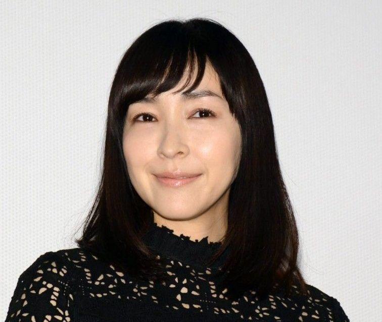 麻生久美子の旦那はスタイリストの伊賀大介。子供は2人いて幼稚園はどこ?