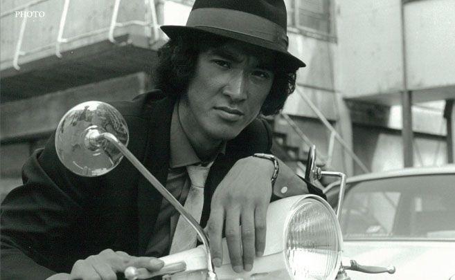 松田優作の死因は膀胱癌。命日が怪奇現象。葬儀写真あり。