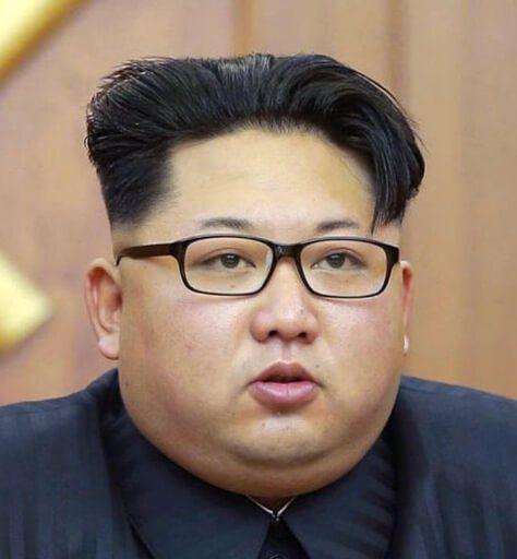 金正恩は影武者か検証。画像比較で耳たぶや歯並びの違いから15人いる可能性あり。